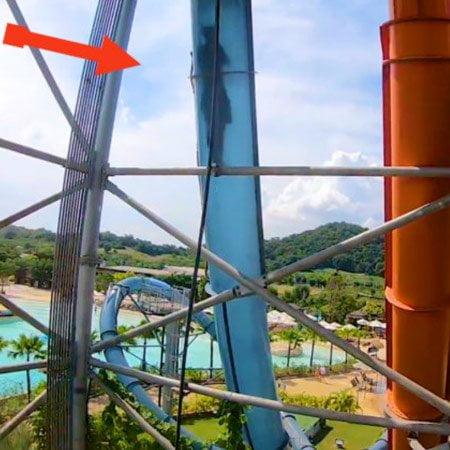 Acquascivolo rocket loop slide