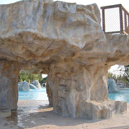 rocce artificiali e piscina