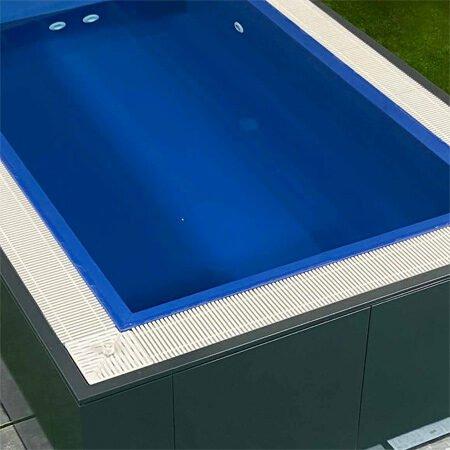 piscina fuori terra a sfioro sotto bordo